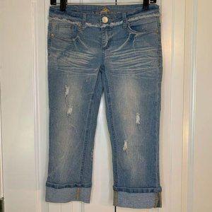 Almost Famous Rolled Hem Capri Jeans
